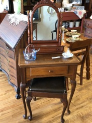 Singer Sewing Machine/cabinet/stool