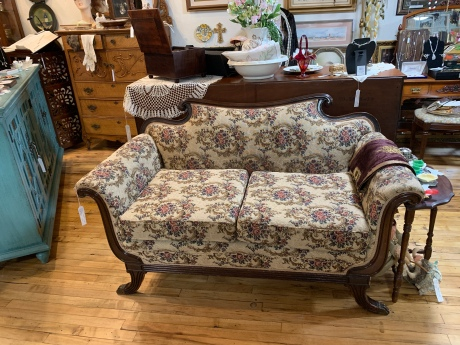 Beautiful Tapestry covered Settee.