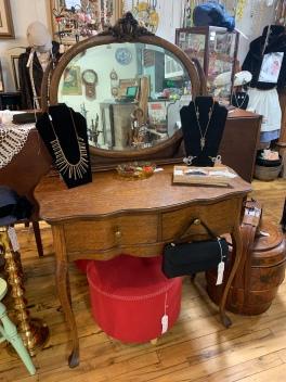 Tiger Oak Vanity w/Mirror