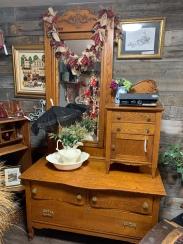 Quarter-sawn Oak Gentleman's Dresser