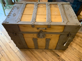 Beautiful Trunk. Refurbished Inside and Out.