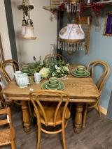 Quartersawn Oak Table w/chairs