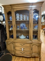 Beautiful Thomasville China Hutch