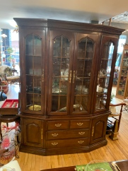 Gorgeous Thomasville China Cabinet