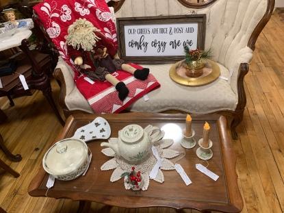 Lenox Holiday Tea Pot